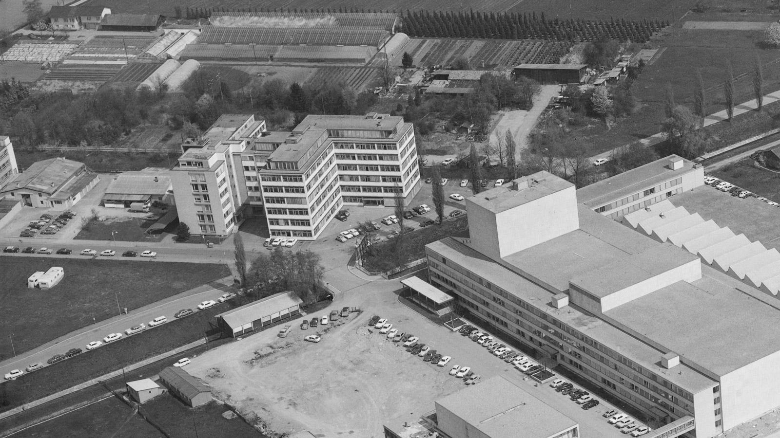 izenz: CC BY-SA 4.0 Nutzung: Download und Nutzung frei Bildnachweis: ETH-Bibliothek Zürich, Bildarchiv/Stiftung Luftbild Schweiz / Fotograf: Swissair Photo AG / LBS_IN-051171-02 / CC BY-SA 4.0